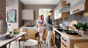 Rodzinna kuchnia to miejsce, w którym dobrze czują się wszyscy domownicy. Jak urządzić taką przestrzeń? Odpowiedź znajdziecie w naszym artykule.