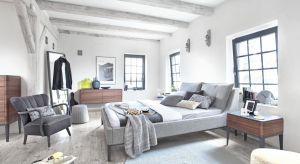 Jesienna aura sprzyja chwilom beztroskiego lenistwa. Coraz krótsze dni to znak, że warto zostać w domu. Ciepły i przytulny nastrój także w sypialni pomoże przetrwać jesienno-zimowy okres w dobrym nastroju.
