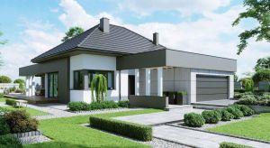 Właściwe usytuowanie domu na działce względem stron świata jest jedną z najważniejszych rzeczy, o których musi pamiętać inwestor planujący budowę domu.