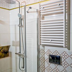 Aranżacja łazienki: postaw na biały grzejnik. Grzejnik Laki Luxrad. Fot. Luxrad