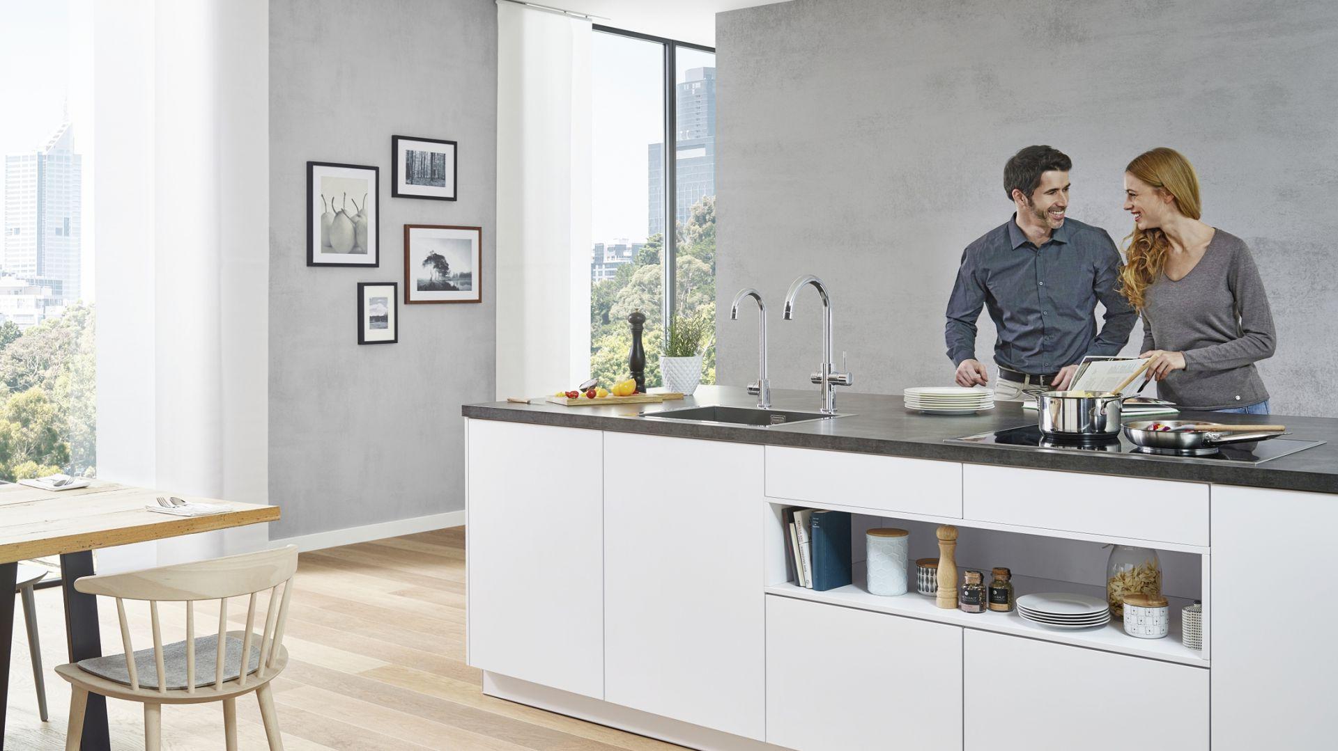 System Blue Home umożliwia pozyskiwanie krystalicznie czystej, schłodzonej wody wprost z kuchennej baterii. Fot. Grohe