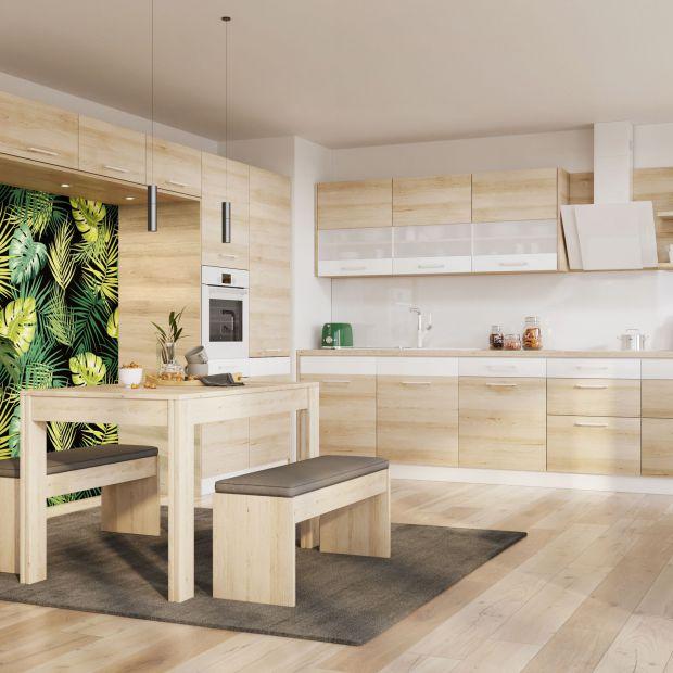 Modna kuchnia - jasne drewno zastępuje biel