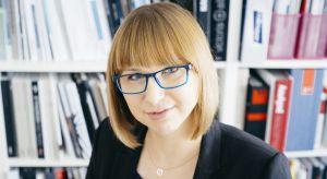 Anna Maria Sokołowska, doświadczony architekt i właściciel pracowni Anna Maria Sokołowska Architektura Wnętrz czujnie śledzi trendy i zna odpowiedź na każde pytanie związane z kolorystyką pomieszczeń. 16 lutego 2018 r. podczas konferencji 4 De