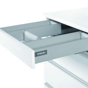 Meble w kuchni: wykorzystujemy przestrzeń pod zlewem. Fot. Rejs