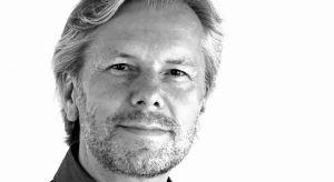 """Piotr Kuczia, założyciel działającej na co dzień w Niemczech pracowni Kuczia Architect. Architekt będzie gościem tegorocznej edycji 4 Design Days i jako prelegent sesji """"Architektura, która edukuje"""" opowie o budynkach, które mogą... uc"""