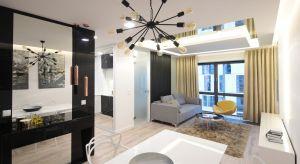 Jak urządzić mały salon modnie i funkcjonalnie? Zobaczcie pomysły architektów.