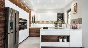 Wygodna, funkcjonalna, z łatwym dostępem do wszystkich niezbędnych elementów podczas przyrządzania szybkich posiłków – aż 84 proc. właścicieli nowych mieszkań wskazuje na te cechy, wybierając i projektując sprzęty i meble kuchenne. Sprawd�