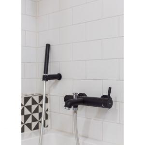 Czarna armatura w łazience - dlaczego nie? Projekt: arch. Katarzyna Benko, Och-Ach_Concept. Fot. Och-Ach_Concept