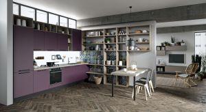 Ultra fiolet został wybrany kolorem roku 2018 przez opiniotwórczy Instytut Pantone. Zobacz jak odcienie fioletu prezentują się w kuchni.