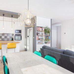 Mieszkanie z czarno-białym patchworkiem