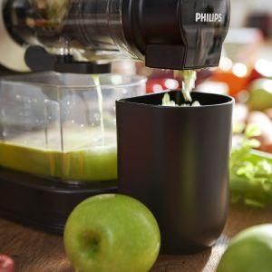 Z pomocą nowoczesnych sokowirówek, wyciskarek i blenderów przygotowanie soku lub koktajlu jest niezwykle łatwe. Fot. Philips