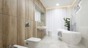Jak w praktyce wyglądają wolno stojące wanny w łazienkach w polskich domach i mieszkaniach? Zajrzyjcie z nami do pięciu łazienek z domów Polaków.