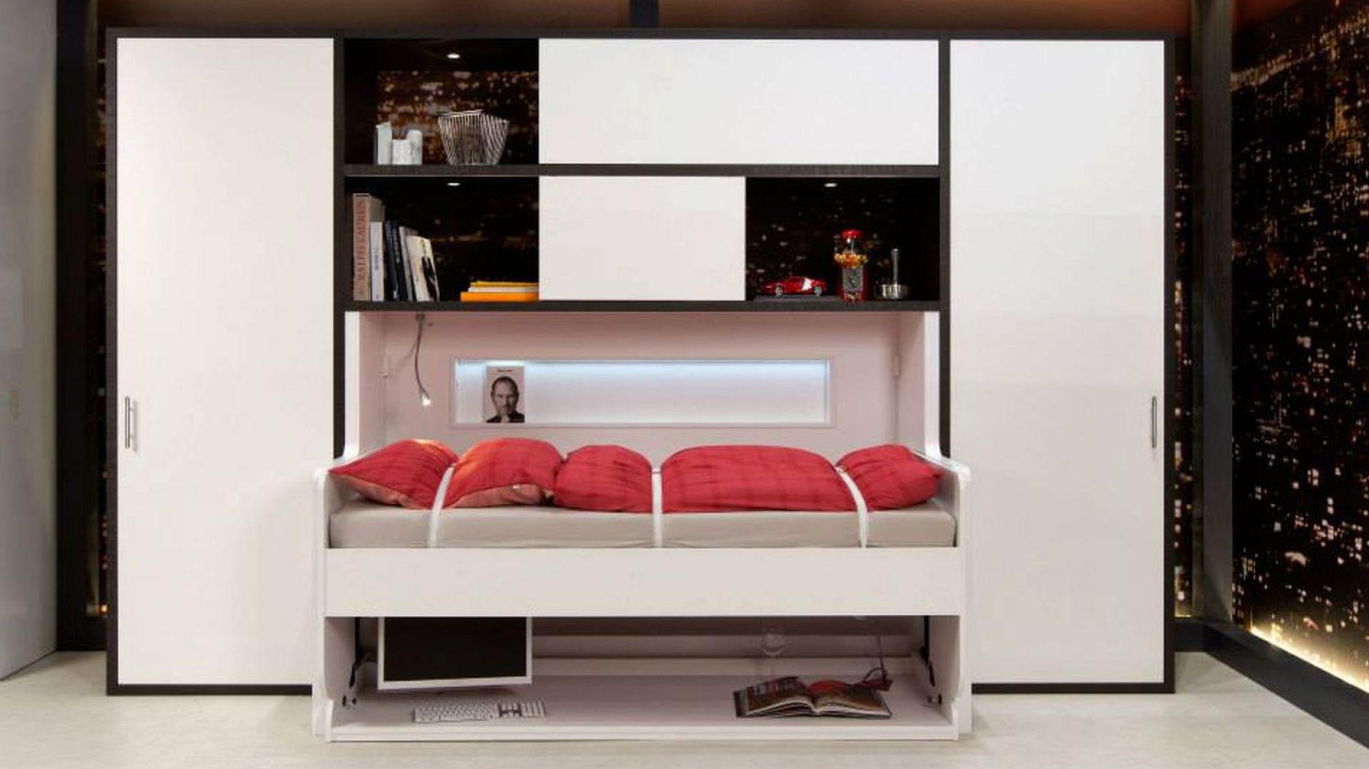 Funkcjonalne rozwiązania do małych mieszkań: biurko-łóżko. Fot. Häfele