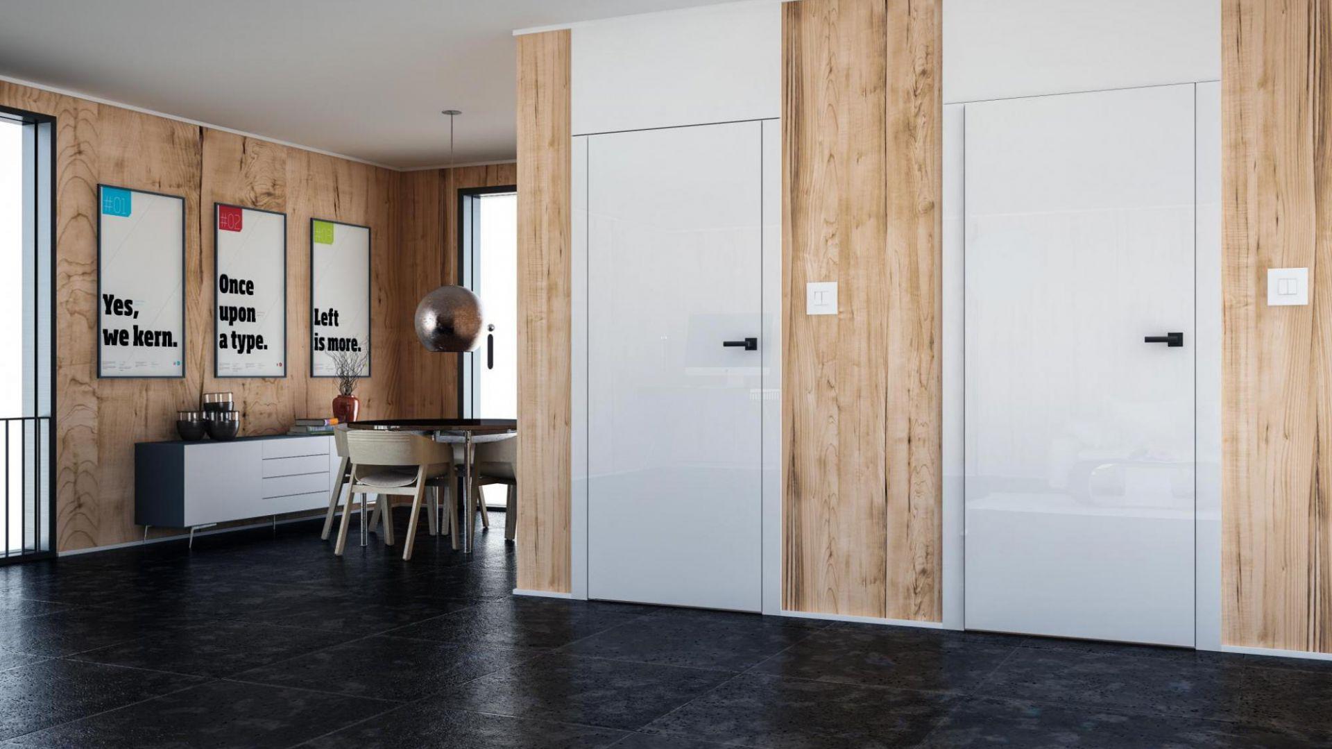 Aranżacja z drzwiami Płaskie bezprzylgowe oraz z drzwiami z odwrotną przylgą, wersja z podwyższonymi opaskami. Fot. Inter Door