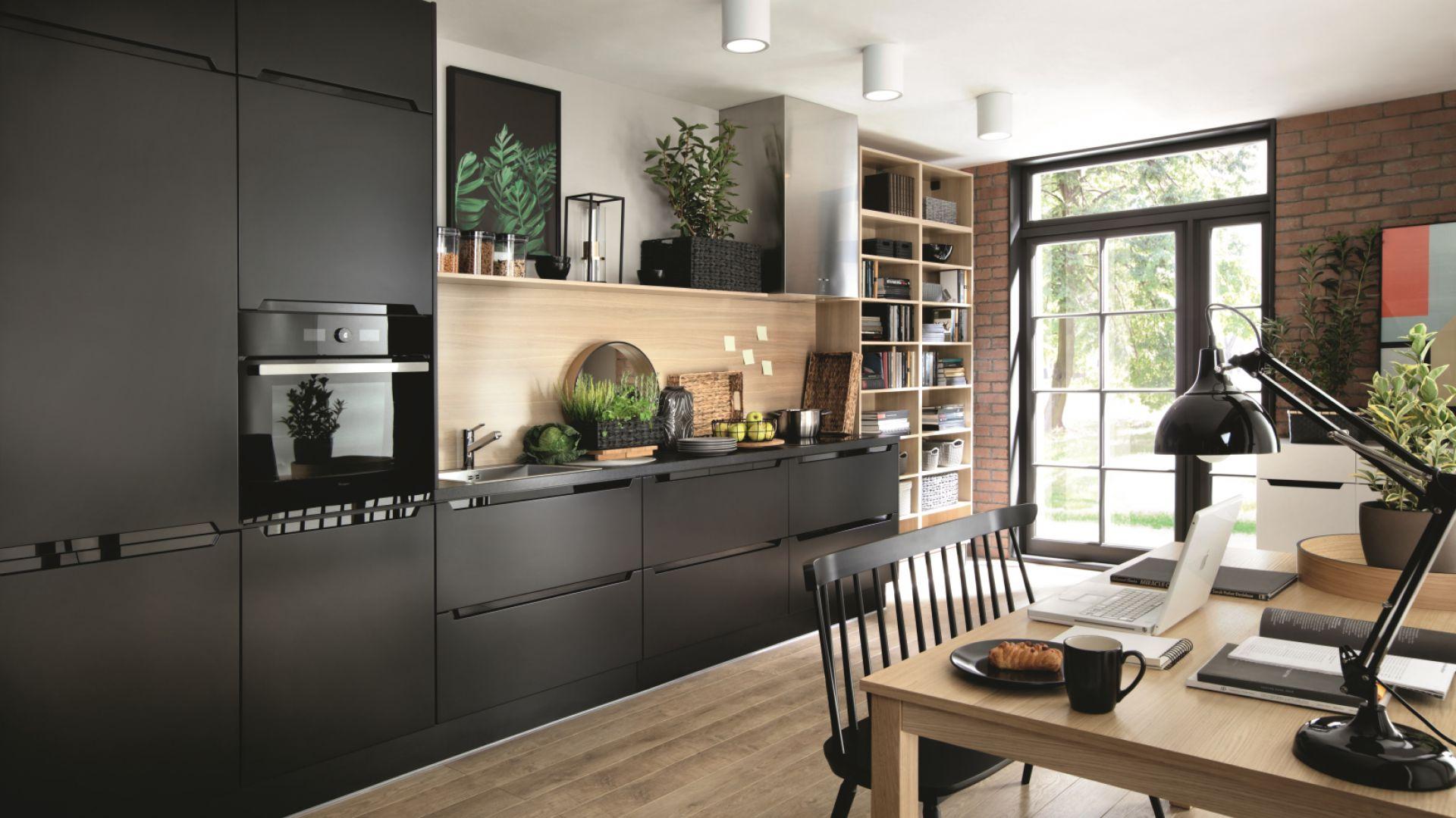 Modna kuchnia na 2018: 33rd Saperavi Avenue. Fot. Black Red