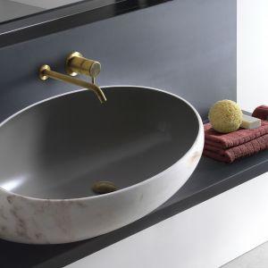 Nablatowa umywalka Gong marki Kreoo. Fot. Kreoo