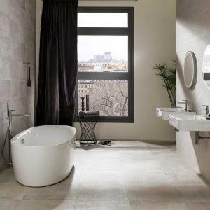 Wanna czy prysznic? Łazienka dostosowana do indywidualnych potrzeb. Fot. Galerie Venis / Home Concept