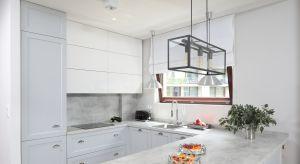 Jak wykończyć ścianę nad blatem w kuchni? Kilka ciekawych propozycji znajdźcie w naszym przeglądzie.