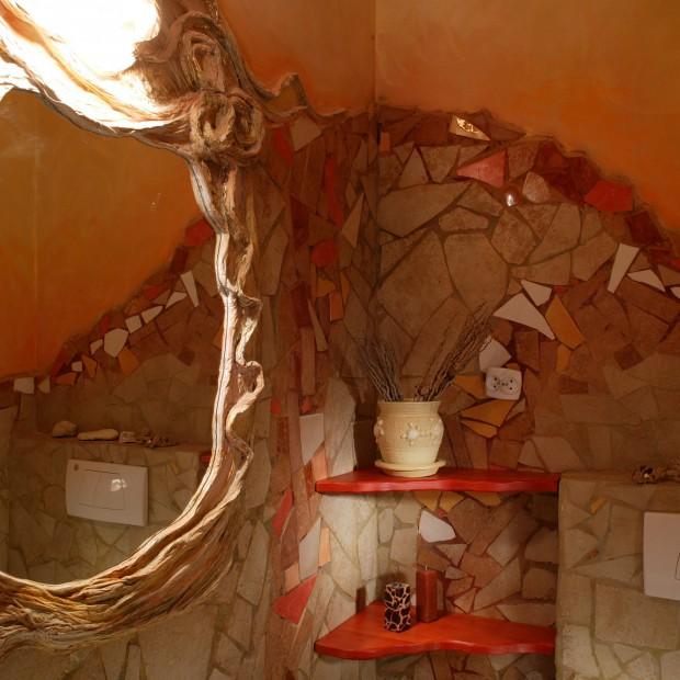Łazienka dla gości emanująca południowym ciepłem
