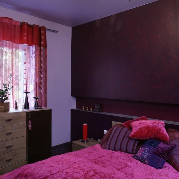 Sypialnia w fioletach. Kobieca i pełna uroku