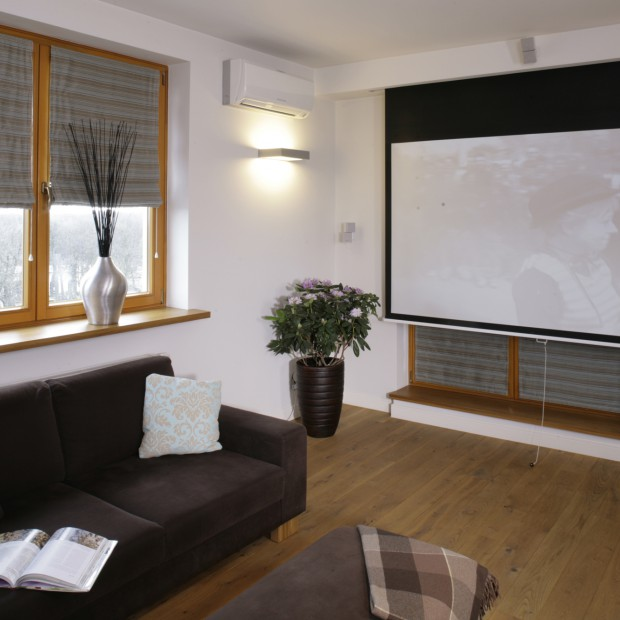 Mieszkanie jak sala kinowa? Wystarczy ekran zamiast telewizora