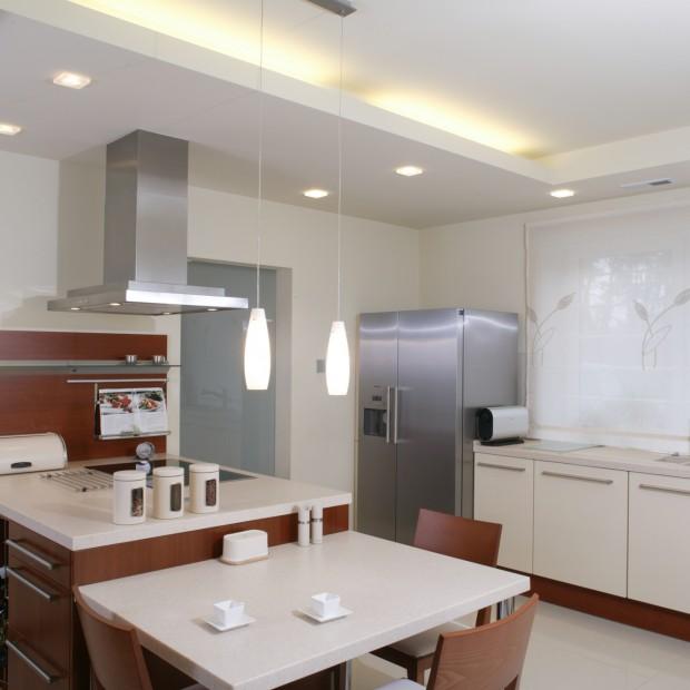 Oświetlenie jest ważne: w kuchni powinno być wielopunktowe