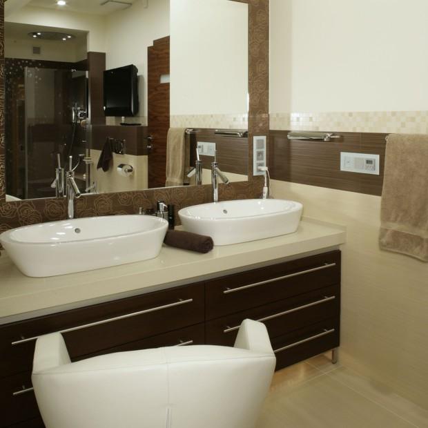 Pokój kąpielowy: sauna, hydromasaż, światłoterapia