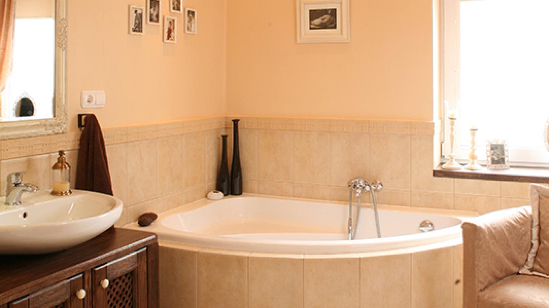 łazienka W Stylu Rustykalnym Przytulna I Ciepła