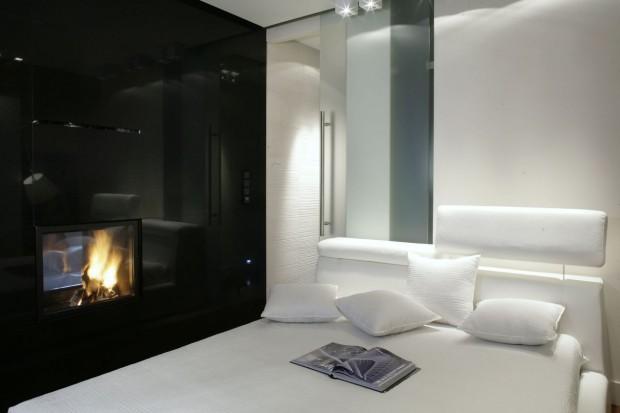 Czarno-biała sypialnia: wnętrze pełne harmonii