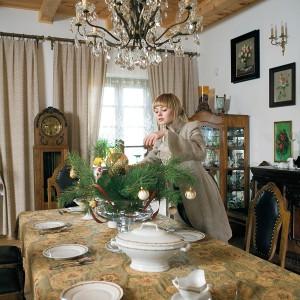 Właścicielka wraz z mężem lubi odwiedzać galerie i targi staroci. Mimo to nie uważa się za kolekcjonerkę. Fot. Bartosz Jarosz.