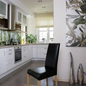 Wykonane ze stali szlachetnej elementy dekoracyjne, czy pokryty lustrzanym szkłem filar, świadczą o mariażu inspiracji naturą z nowoczesnym designem. Fot. Monika Filipiuk.
