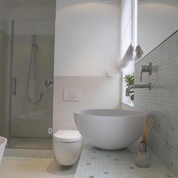 Pomysłowa aranżacja salonu kąpielowego dla kobiety