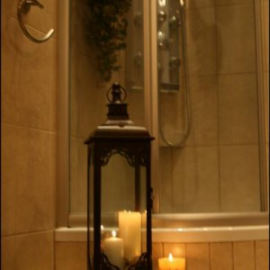 """23-nieduzaania. """"Chociaż łazienka ma już parę dobrych lat, to ciepłe wnętrze nigdy mi się nie nudzi:)"""""""