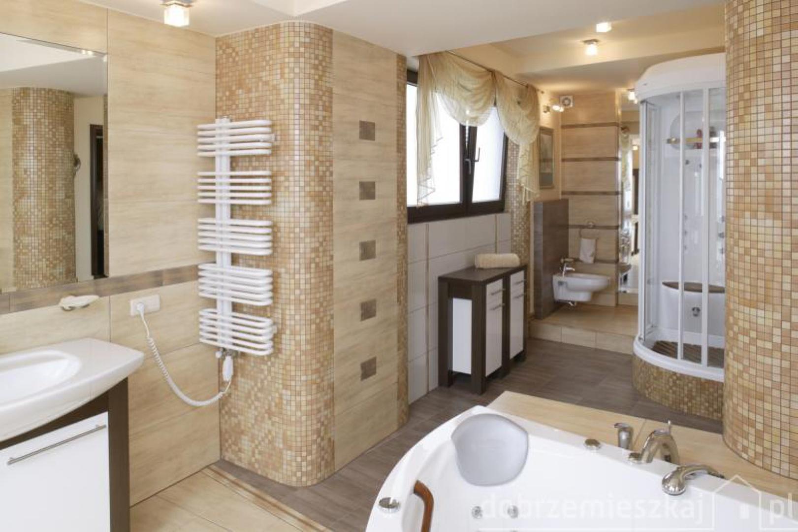 Proj. Krzysztof Bąk  50 pomysłów na mozaikę w łazience