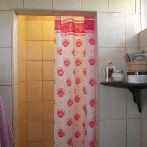 """42-klops. """"Ekonomiczne wykorzystanie niewielkiej powierzchni - samodzielnie wykonana """"kabina prysznicowa"""""""
