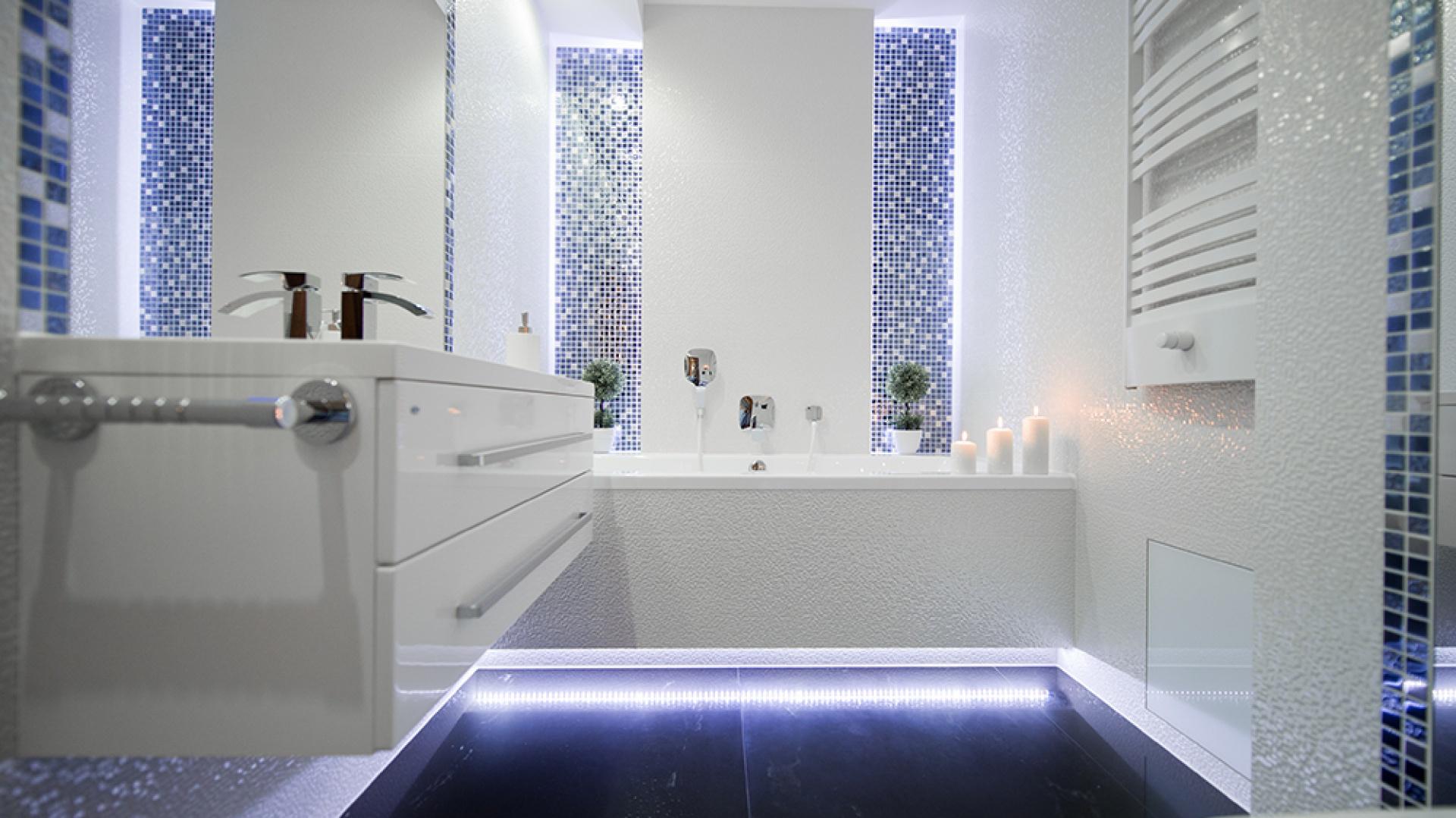 Podświetlenie Wanny W łazience Dodaj Klimatu Wnętrzu