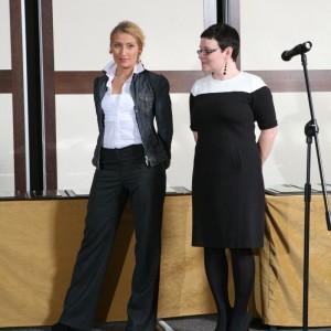 Justyna Łotowska w towarzystwie członka jury, arch. Agnieszki Żyły.