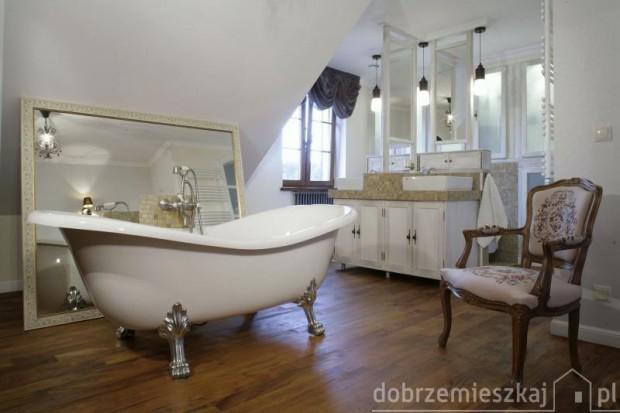 15 aranżacji łazienki na poddaszu