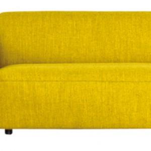 Modułowa sofa Match (proj. arch. Sanja Knezovic) z naturalnych materiałów i o podwyższonych podłokietnikach. Cena: od ok. 8.778 zł, Kvadra/Le Pukka.