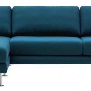 Sofa Fargo o miękkich, zaokrąglonych liniach. Dostępna w różnych kolorach w tkaninie i skórze. Wym. 80x286,5x167 cm. Cena: od ok. 10.590 zł, BoConcept.