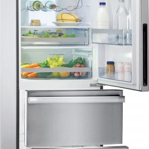 Dwie niezależne szuflady zamrażarki ułatwiają ułożenie i odszukanie produktów. W komorze chłodzącej modelu FCB 3401 NS 2D XS firmy Franke są również inne rozwiązania organizujące przestrzeń, jak szuflady na warzywa i Fresh Holder (z temp. 0°C; na nabiał, ryby, mięso), podwieszany stelaż na butelki. Cena: ok. 4.999 zł, Franke.