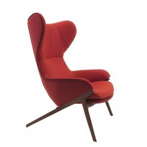 Fotel P22 projektu Patricka Norgueta. Fot. Cassina, www.cassina.com