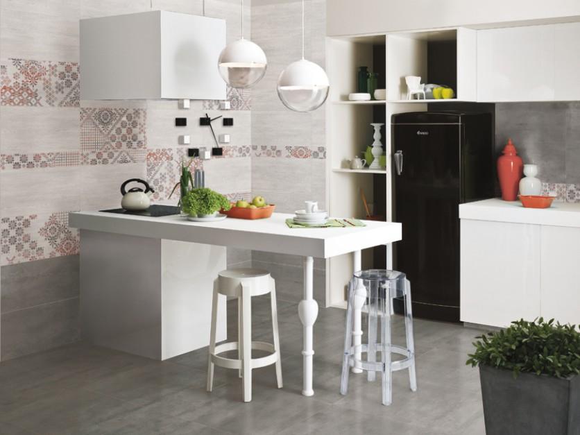 Kuchnie z meblami kuchennymi.
