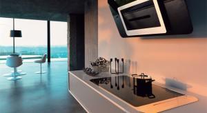 Okap w kuchni to już nie tylko pochłaniacz nieprzyjemnych zapachów. To także stylowe urządzenie, które nada jej designerski charakter. Czarny, biały czy w kolorze stali szlachetnej – zawsze zbuduje niepowtarzalny klimat.