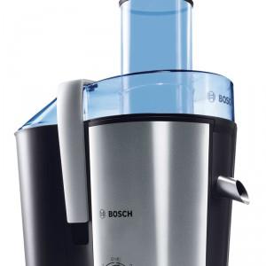 Sokowirówka MES3000 daje możliwość wrzucania całych nieobranych owoców. Urządzenie wyłącza się automatycznie w momencie otwarcia pokrywy. Cena: ok. 429 zł, Bosch.