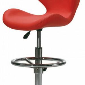 BS 1011 – nowoczesna forma podana w pięknym czerwonym kolorze; wys. 82 cm. Cena: ok. 499 zł, Agata Meble.