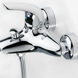 Vienda – wannowo-natryskowa; wyposażona w ceramiczną głowicę sterującą, aerator, ograniczenie max. temperatury i strumienia wody. Cena: od ok. 1.140 zł, Oras.