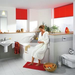 Systemy do zabudowy przyściennej składają się z wielu elementów pozwalających kształtować przestrzeń łazienki. Wśród nich są m.in. stelaże podtynkowe do urządzeń sanitarnych, jak sedesy czy umywalki, oraz kształtowniki stalowe, które po zabudowie są niewidoczne. Na zdjęciu: aranżacja z wykorzystaniem systemu firmy TECE.