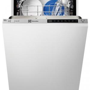 Zintegrowana zmywarka ESL4650RO, szer. 45 cm, sterowanie elektroniczne, 3 cyfrowy wyświetlacz, 7 programów zmywania (1 godzina, QuickPlus 60°, płukanie i wstrzymanie, AutoFlex, Eco 50, intensywny 70), zużycie wody – 9 l w programie Eco 50, klasa energetyczna A   . Cena: ok. 2.300 zł, Electrolux.