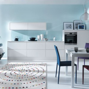 Kuchnia 38TH ELYSEE AVENUE z uchwytem zintegrowanym L0 (Black Red White SA) - tytuł Dobry Design 2014